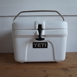 Yeti coolers - ROADIE 15