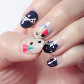 Nail Art: Having Fun with ◯ & △