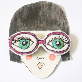 Carly Altree-Williams - Spectacle Brooch
