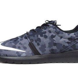 """NIKE - ROSHERUN NM FB """"LIMITED EDITION for NSW BEST"""""""