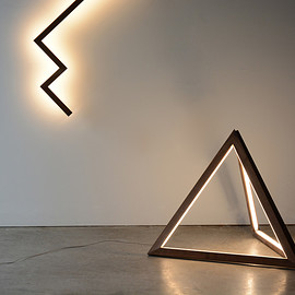 hollis+morris - TETRA FLOOR LIGHT