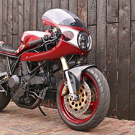 Barn Brothers - #BB003 DUcati 900 Supersport