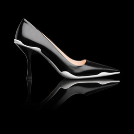 PRADA - SS2014 RUSHED CALF LEATHER POINTY TOE PUMP BLACK+WHITE