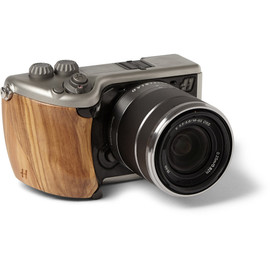 HASSELBLAD - LUNAR OLIVE WOOD CAMERA
