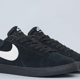Nike - Nike SB Blazer Low GT Shoes Black / White