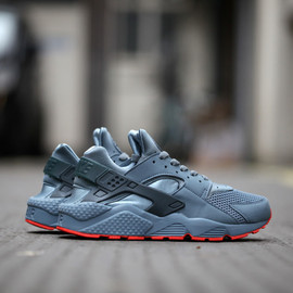 Nike - Air Huarache Run FB - Graphite/Classic Charcoal/Bright Crimson