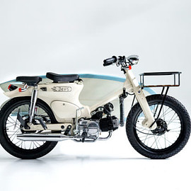 Deus ex Machina - 'Sea Sider'  Honda Super Cub C70