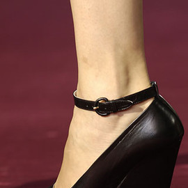 YVES SAINT-LAURENT - Pump