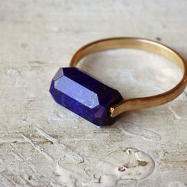 LUMAFINA - Lapis Ring / Gold Fill Band