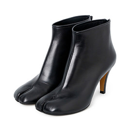 Maison Margiela - Tabi Short Boots Damaged Heel