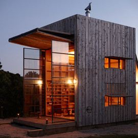 Crosson Clarke Carnachan Architects - Whangapoua Mobile Beach Hut in New Zealand / コンテナハウス