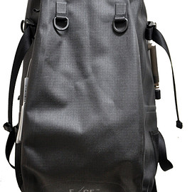 F/CE. - NO SEAM DAY PACK