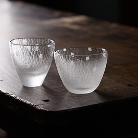 covered glass vessel