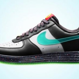 Nike - NIKE LUNAR FORCE 1 YOTH QS WOLF GREY/GREEN MIST-ANTHRACITE-BLACK-UNIVERSITY RED