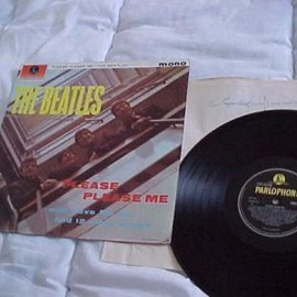 BEATLES - PLEASE PLEASE ME (Record: Parlophone PMC1202 4th press Y&B lbl.)
