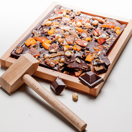 Le Chocolat Alain Ducasse - The Christmas Chocolate block