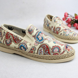 Fashion Flax Dragonmark With Peacock Floral Canvas Shoe