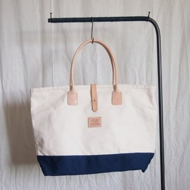 HERITAGE LEATHER CO. - Strap Tote #natural×navy