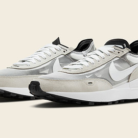 NIKE - Waffle One - Summit White/White/Black/Orange
