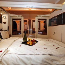 Singapore Airlines - New First Class Double Bed Seats, Airbus A380