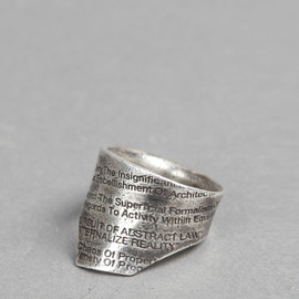 JULIUS - SILVER RING WITH WRITINGS