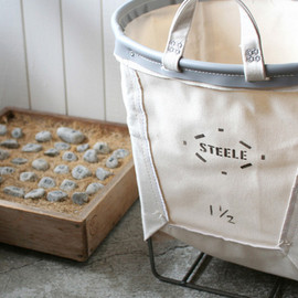 SMALL CARRY BASKETS
