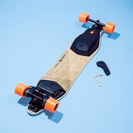 Boosted Boards - 電動スケートボード