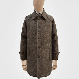 S.E.H KELLY - Balmacaan in tobacco-brown Donegal tweed