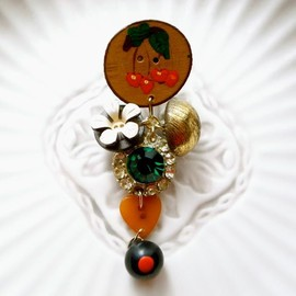 corchea - Vintage buttons earring