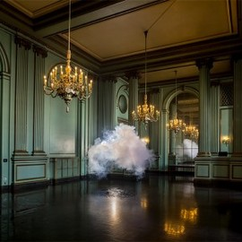 Berndnaut Smilde - Nimbus Green Room installation (2013)