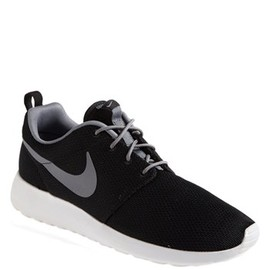 Nike - Nike 'Roshe Run' Sneaker (Men)