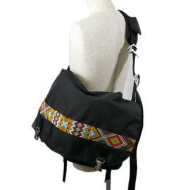 LORINZA - BEADS MESSENGER BAG