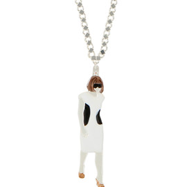 Defiles From Paris - Necklace Anna Wintour