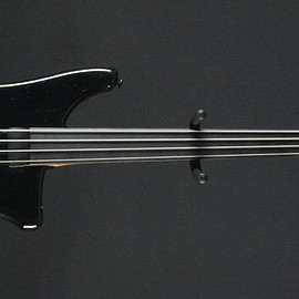 Philip Kubicki - Factor Bass