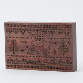 CEMENT PRODUCE DESIGN, Card Chest - cross stitch / walnut
