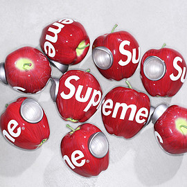 Supreme, UNDERCOVER, MEDICOM TOY - Gilapple Light