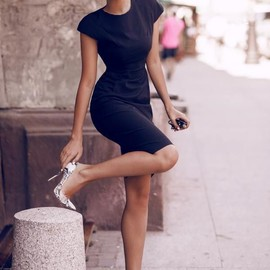 lady - little black dress