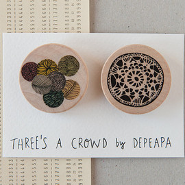 depeapa - Circles and crochet - Pack of  illustrated wooden brooches