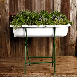 Williams-Sonoma - Vintage Bathtub With Stand