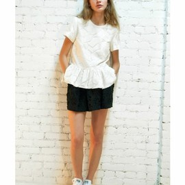 sea New York - broken lace ruffle t
