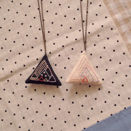 Kanae Entani - mountain necklace