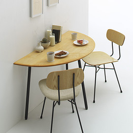 graf   Narrative - MUKU Top Table(semicircle)