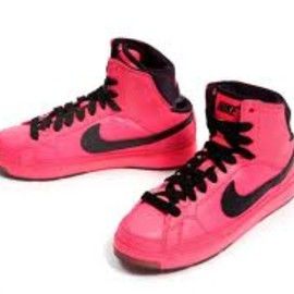 NIKE - WMNS AIR TROUPE MID  Pink/Black