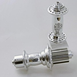 White Industries - H3 Road Hub /Front and Rear/Polish