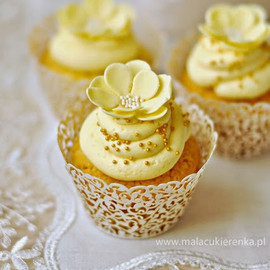GOLDEN Cupcakes with Advocaat