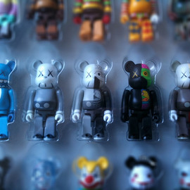 BE@RBRICK - KAWS 100% COLLECTION