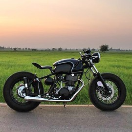 Tu Garage - YAMAHA SR400/BSA M33 / Designed by Boy Wongsuwan