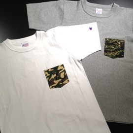 Champion - Reverse Weave Pocket T-Shirt