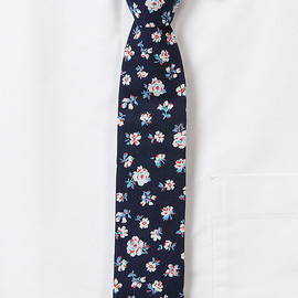 The Hill-Side - S55-035 Selvedge Floral Indigo Discharge Print Necktie