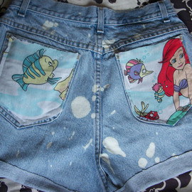 Vintage Little Mermaid Ariel Disney Destroyed 90s Acid Wash Denim Jean Shorts